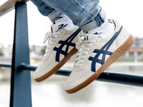 Asics Gel Vickka TRS 'Birch Peacoat' on feet (3)