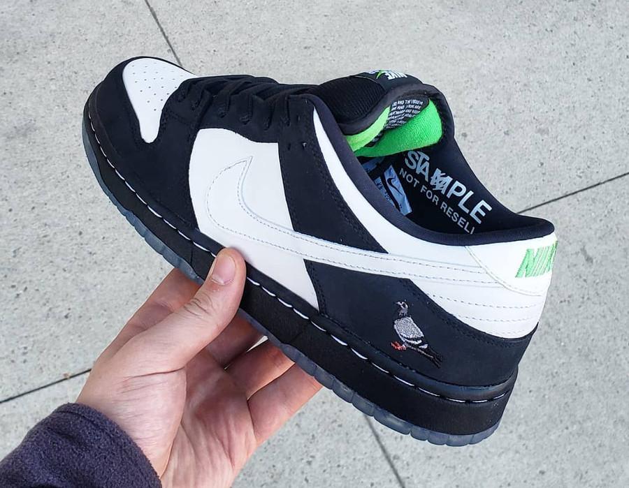Jeff Staple x Nike Dunk Pro Low SB blanche et noire (2)