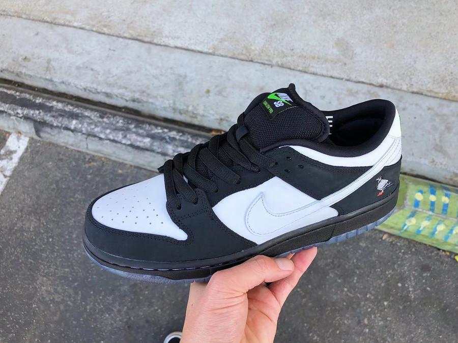Jeff Staple x Nike Dunk Pro Low SB blanche et noire (4)