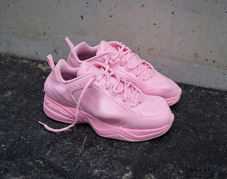 Martine Rose x Nike Air Monarch IV toute rose (1)