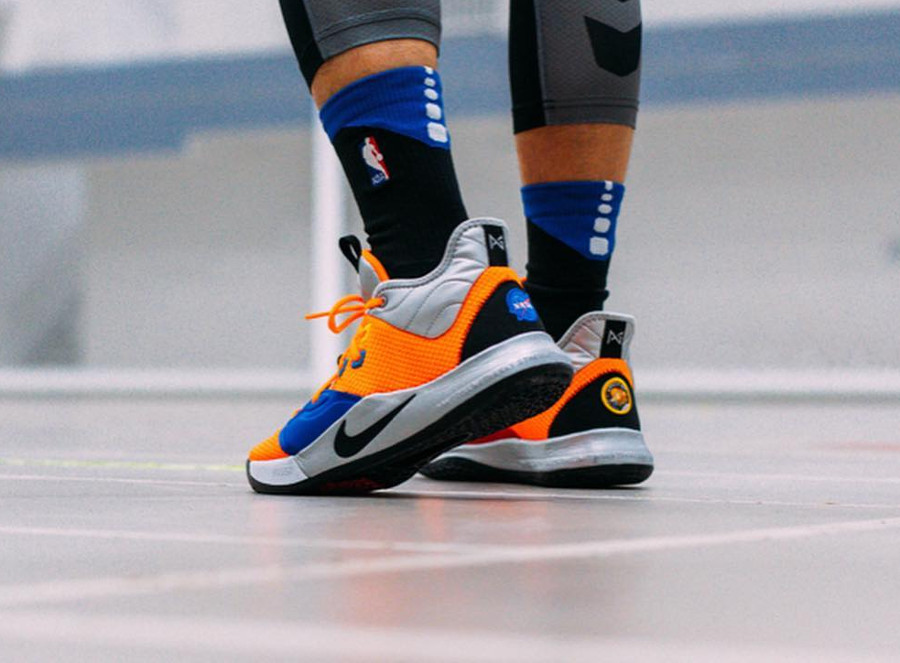 Nasa x Nike PG 3 Total Orange (4)
