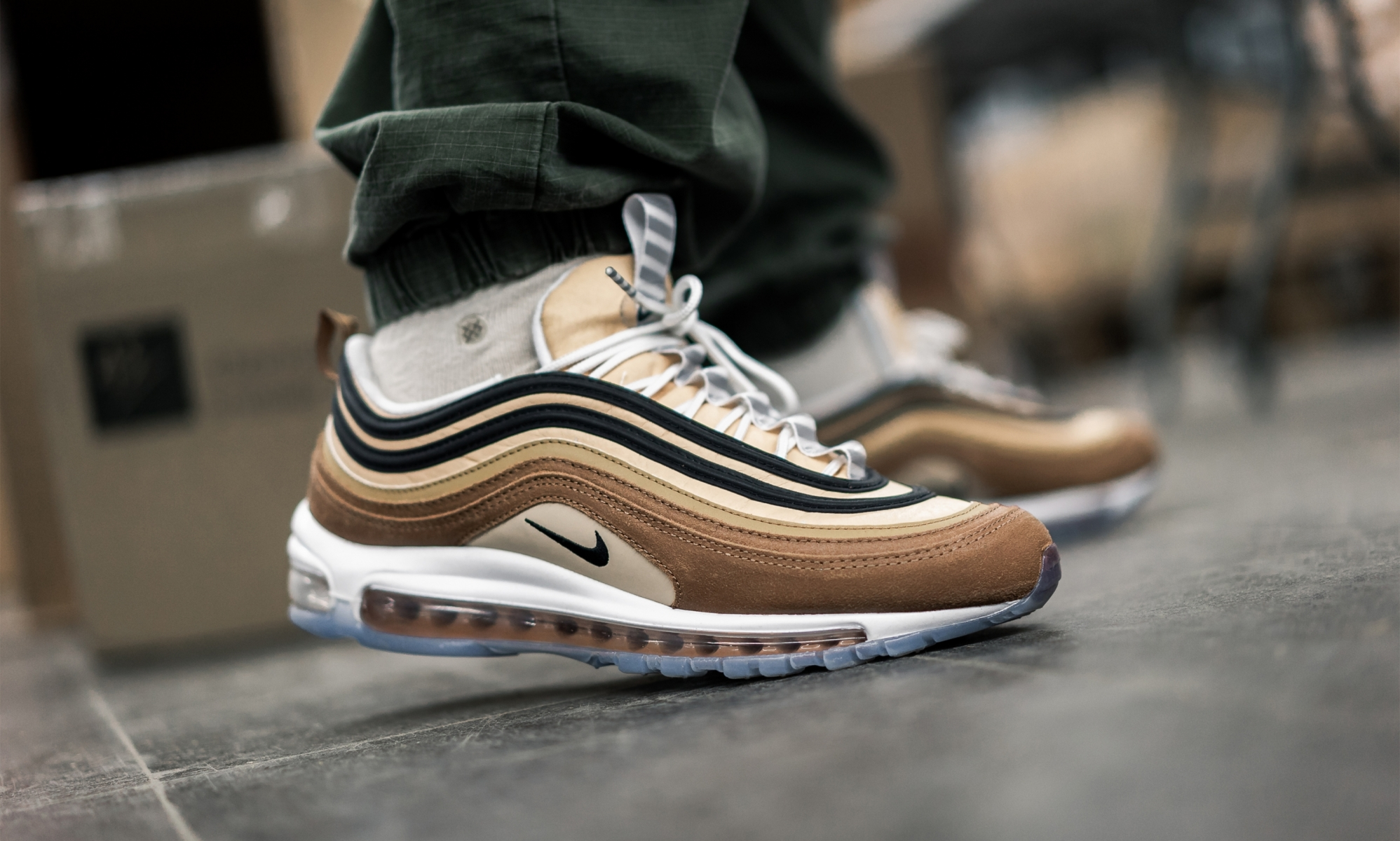Nike 97 Ale Brown Black Elemental Gold (1-2)