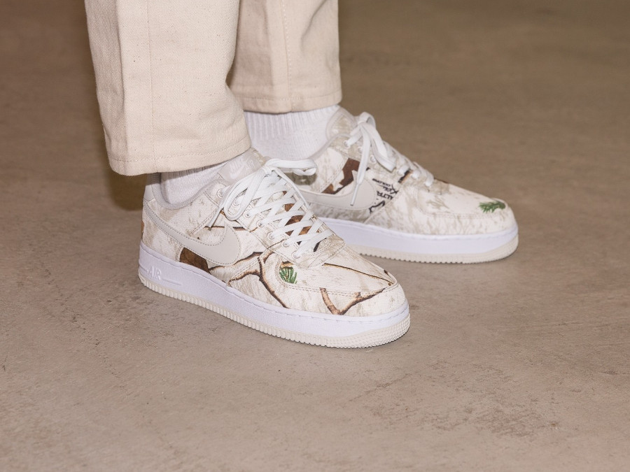 07765fa0704 Vous êtes ici   Sneakers-actus → Nike → Air Force 1 → Realtree x Nike Air  Force 1  07 LV8 3 Low  Camo Pack