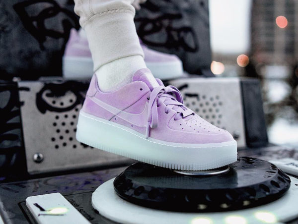 sneakers femme Archives | Page 7 sur 33 | Sneakers actus