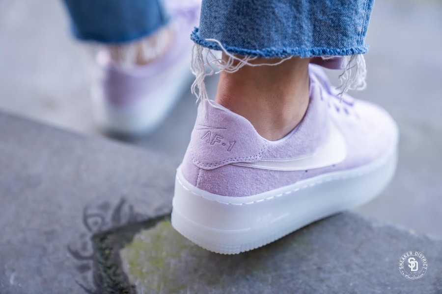 Nike Air Force 1 Sage Low LX Violet Mist (1)