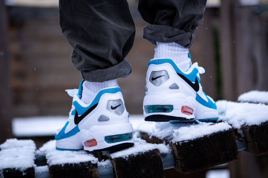 Nike Air Max 2 Light OG Blue Lagoon on feet (1)