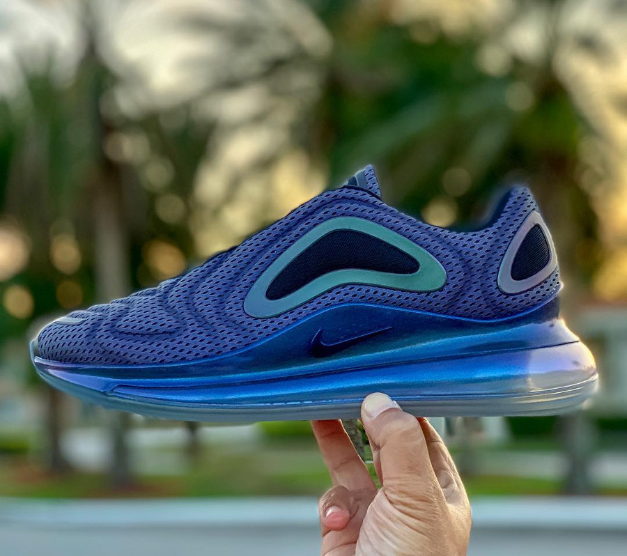 Nike Air Max 720 Iridescent Northern Lights (2)