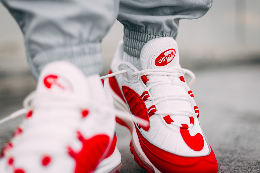 Nike Air Max 98 University Red Summit White (4)