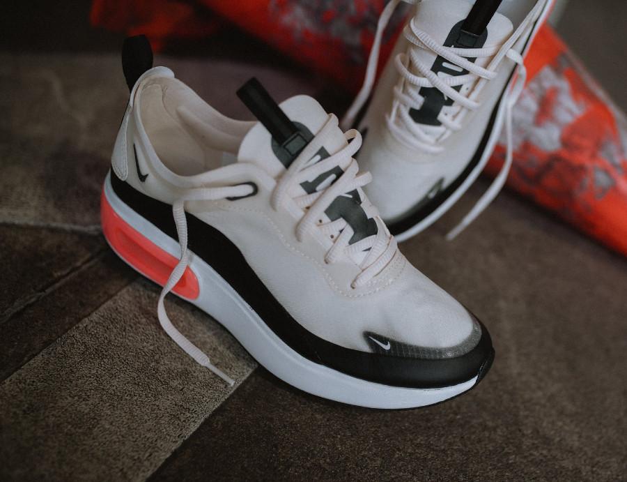 Nike Air Max Dia SE 'Pale Ivory Bright Crimson Black' (2)