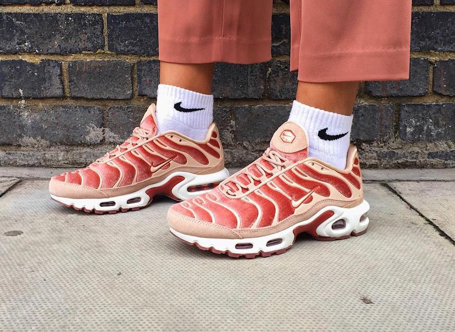 Nike Air Max Plus LX Velvet Peach