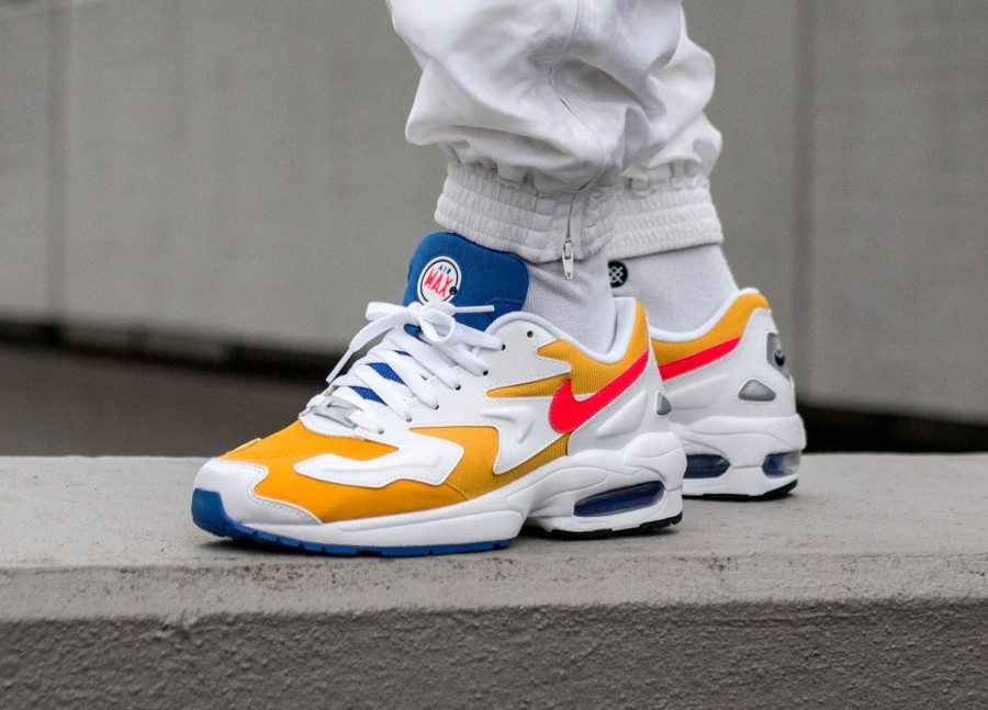 Nike Air Max2 Light Retro 'University Gold'