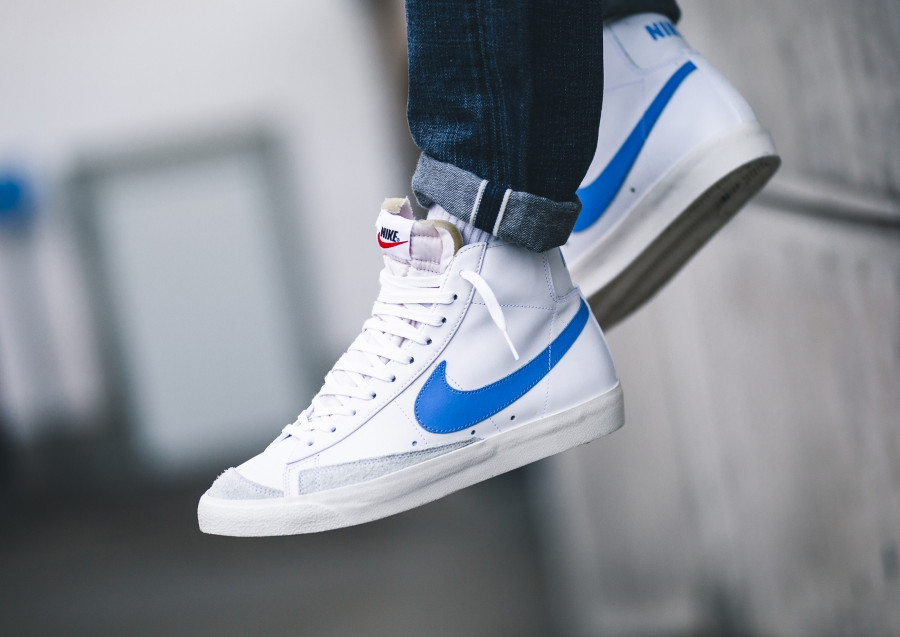 Nike Blazer Mid '77 Leather VNTG blanche et bleue (2)