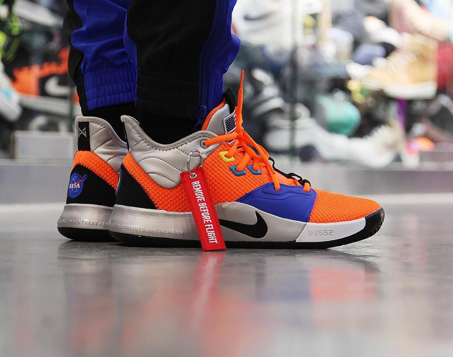 Nike PG3 Nasa Total Orange 'Armstrong Building 703'