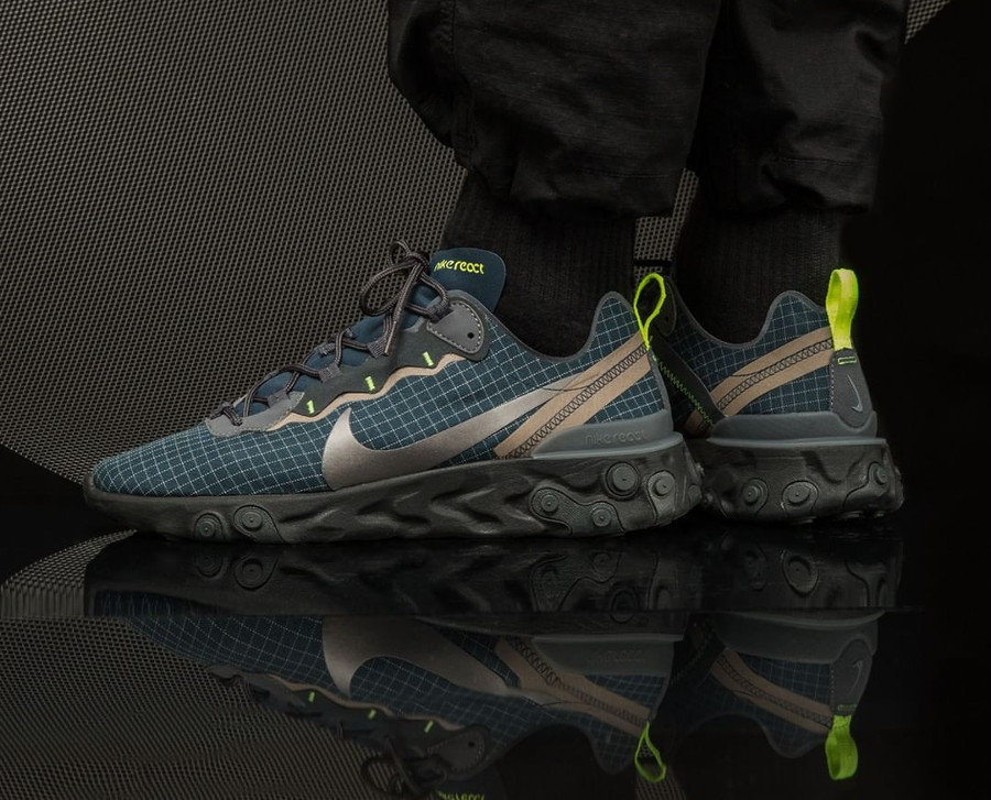 Nike React Element 55 Armory Navy Volt Metallic Dark Grey (4)