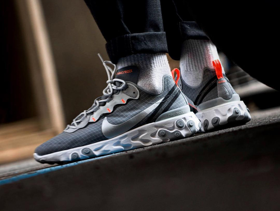 Nike React Element 55 Grid 'Cool Grey Metallic Silver Hyper Crimson'