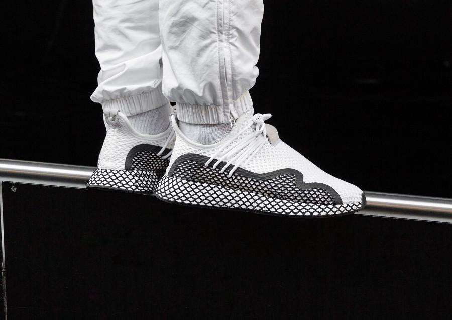 Adidas Deerupt S blanche et noire (4)