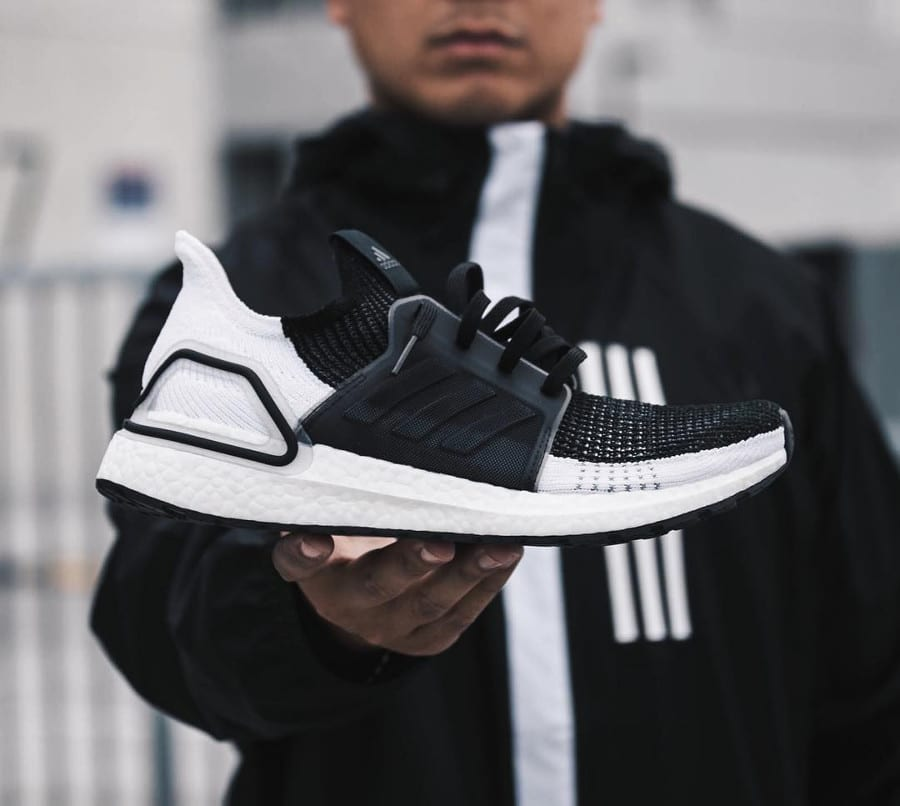 Adidas UltraBoost 19 Oreo Core Black Grey Six (1)