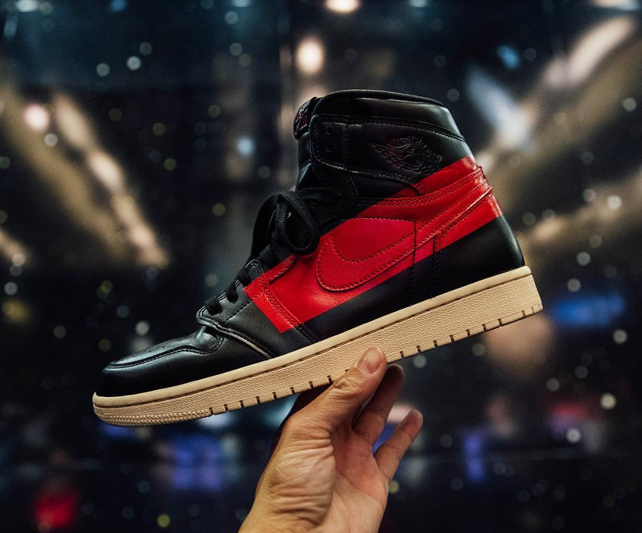 Air Jordan 1 High Couture (1)