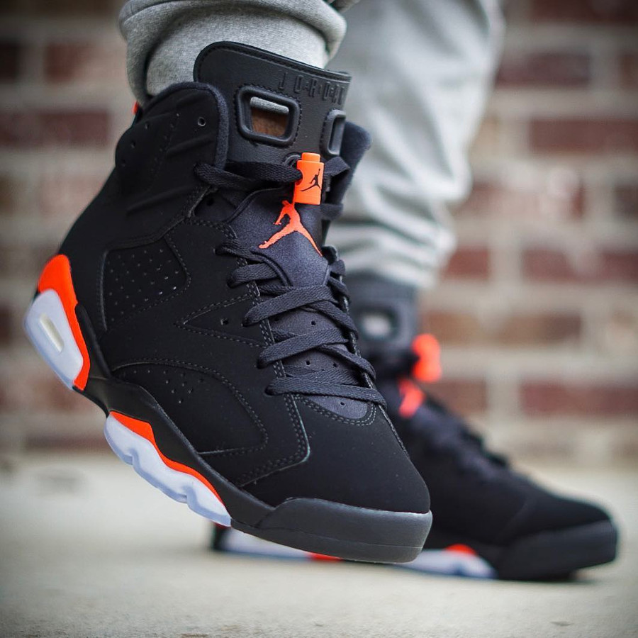 Air Jordan VI Black Infrared Retro 2019 on feet (3)