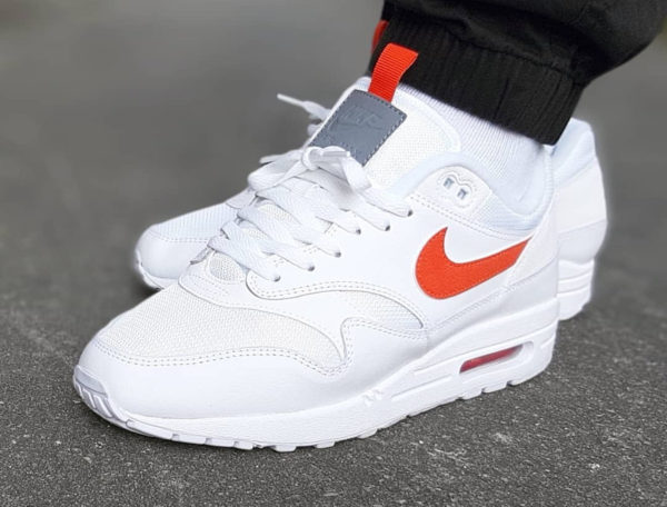 Air Max 87 Special Edition blanche et orange (1)
