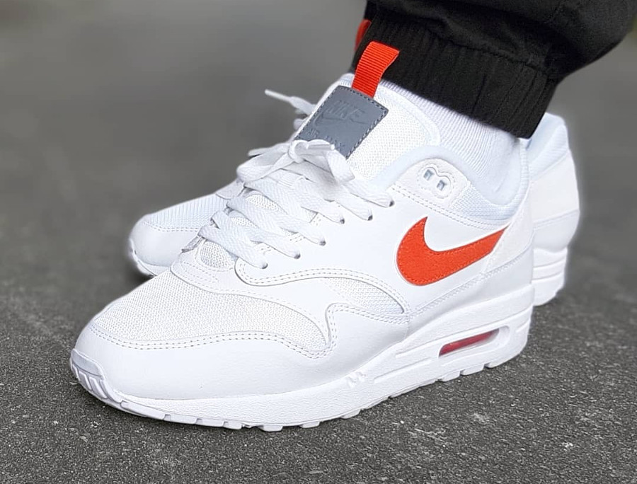 Nike Air Max 1 SE White Team Orange