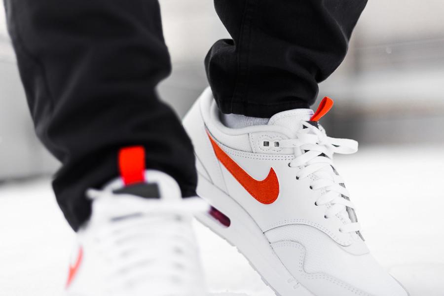 best sneakers 006dd 96990 Nike Air Max 1 SE White Team Orange (2)