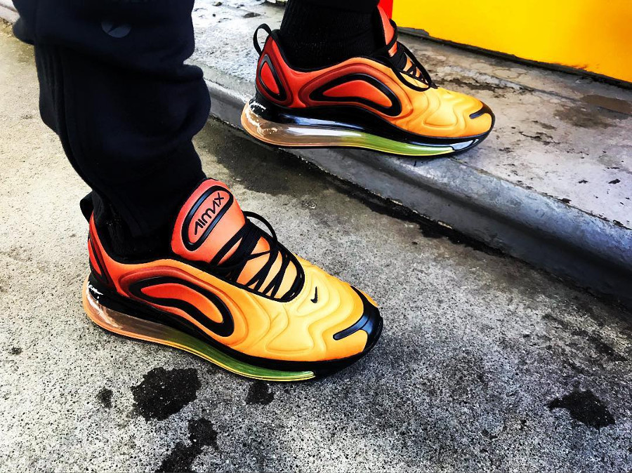 Nike Air Max 720 Sunrise Total Laser Orange Black