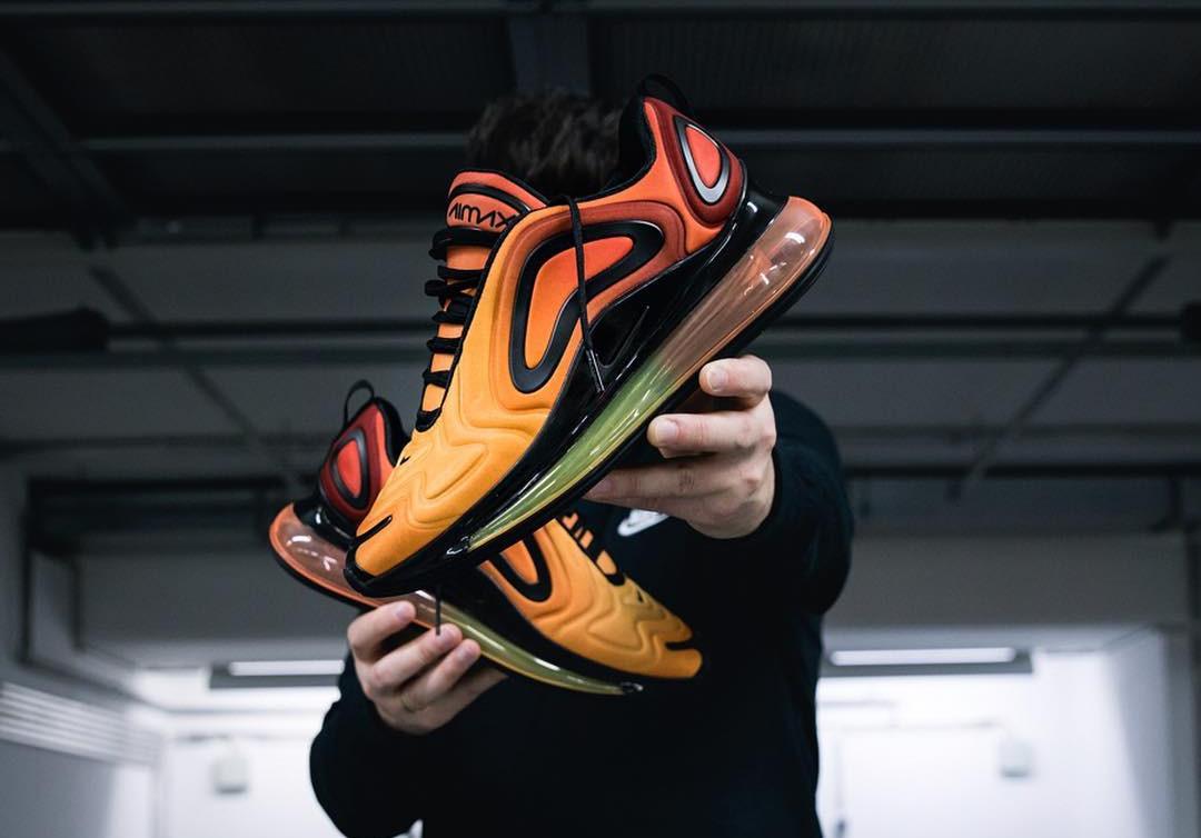 Nike Air Max 720 avec un dégradé orange et jaune (1)