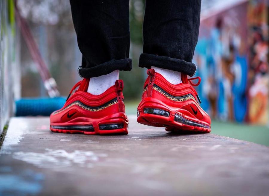 Nike Air Max 97 femme rouge avec un imprimé léopard (2)