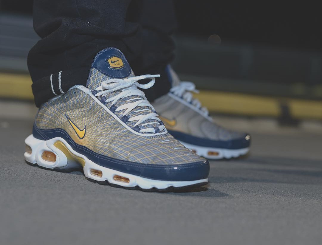Nike Air Max Plus OG Grid 'Quads' Steel Spun Yellow (2)