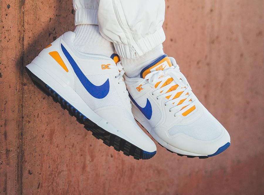 Nike Air Pegasus 89 White Racer Blue Orange Peel (1)