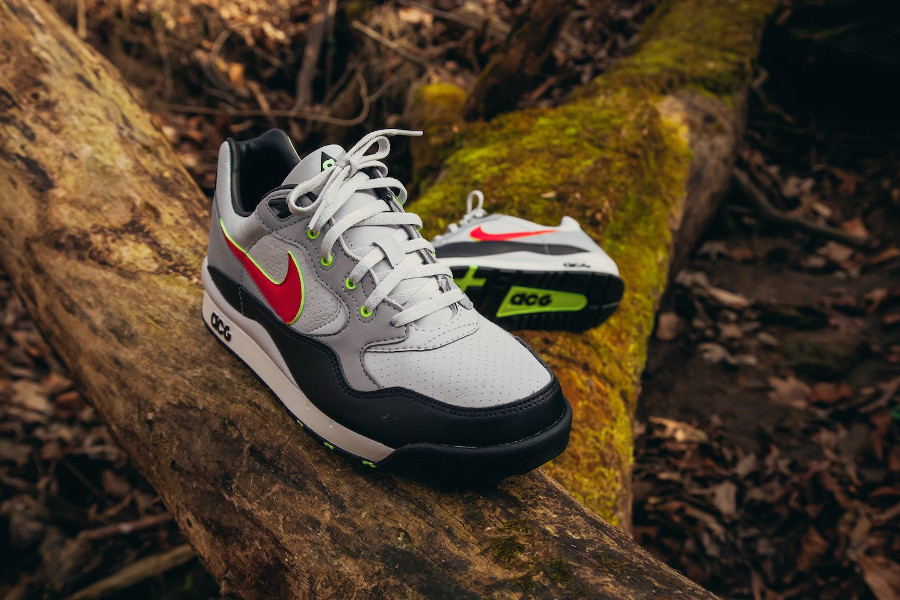 Nike Air Wildwood ACG OG Pure Platinum Comet Red QS (3)