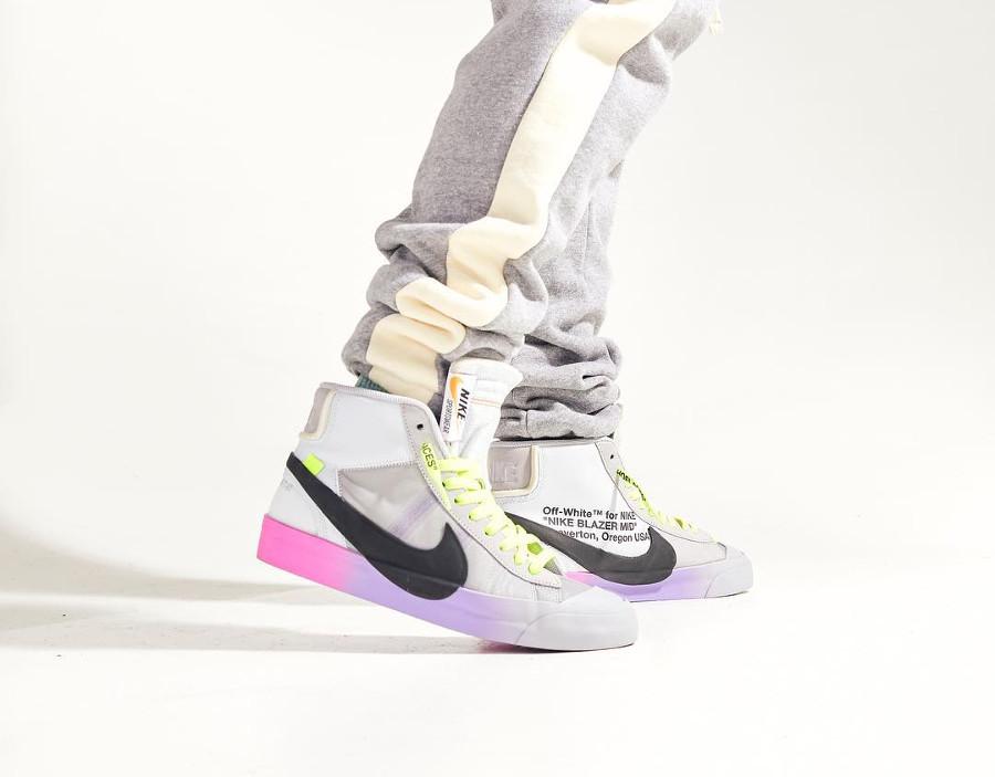 Nike Blazer Off White grise avec un dégradé rose et violet (4)