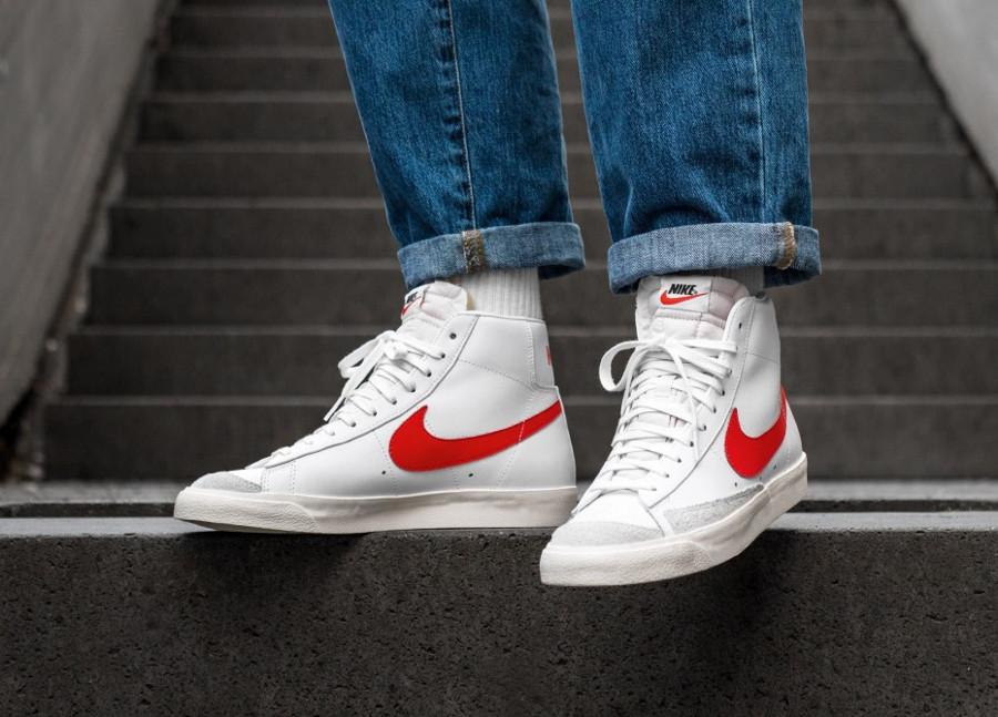 Nike Blazer vintage mi-montante blanche et rouge (4)