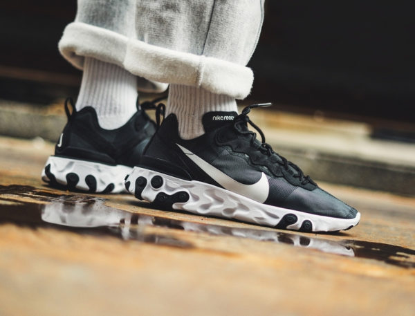Nike React Element 55 Black White aux pieds (3)