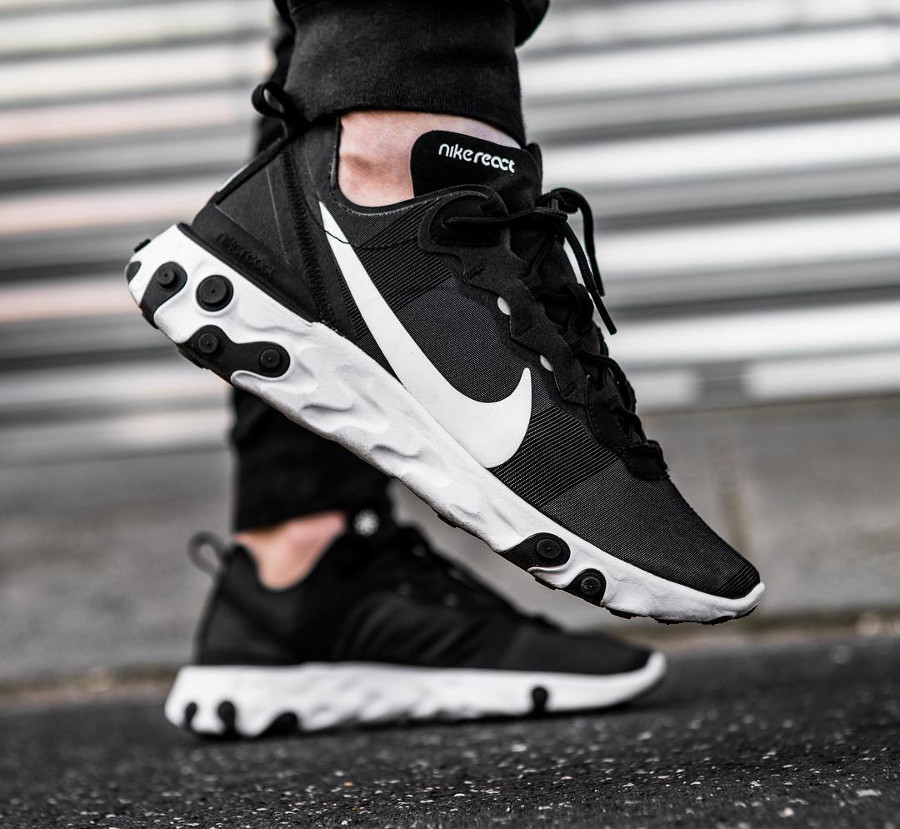 Nike React Element 55 Black White aux pieds (6)