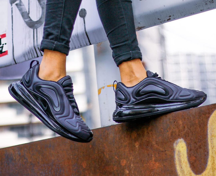 Nike Wmns Air Max 720 Total Eclipse (3)