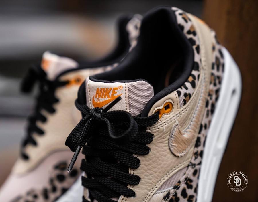 Nike Womens Max One Safari Desert Ore Orange Peel-Black (1)