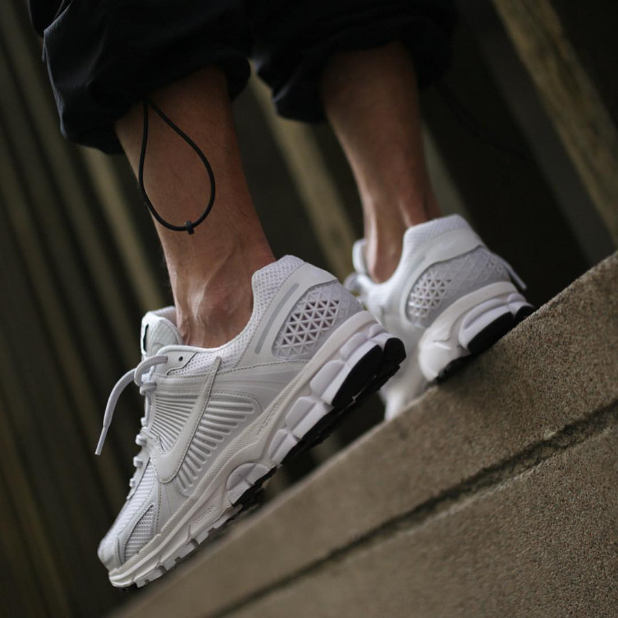 Nike Zoom Vomero 5 SP Blanche (2)