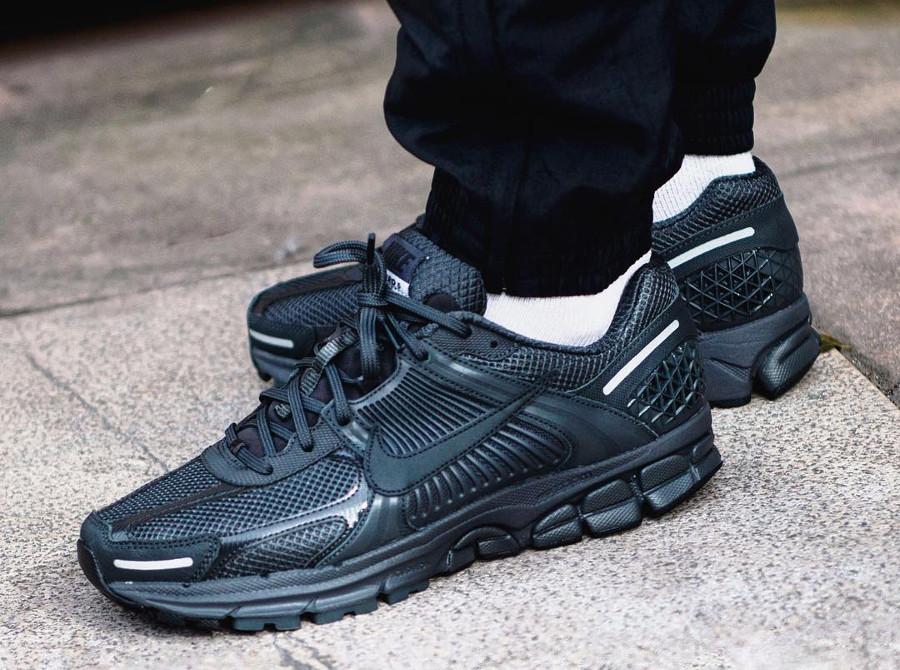 Nike Zoom Vomero 5 SP noire (4)