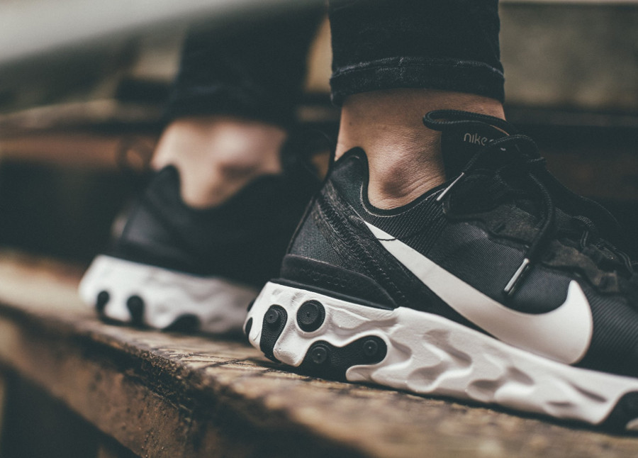 Nike wmns React Element 55 Black White (1)