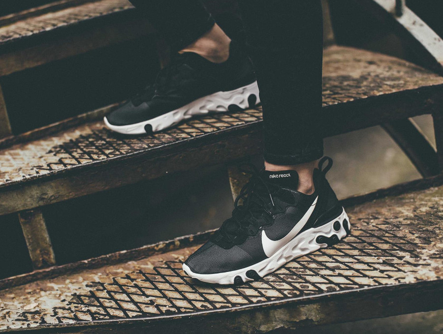 Nike wmns React Element 55 Black White (2)