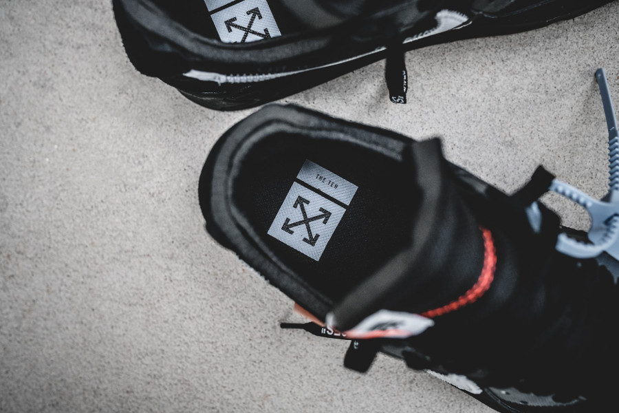 Off White x Air Max 90 noire Black Cone (1)