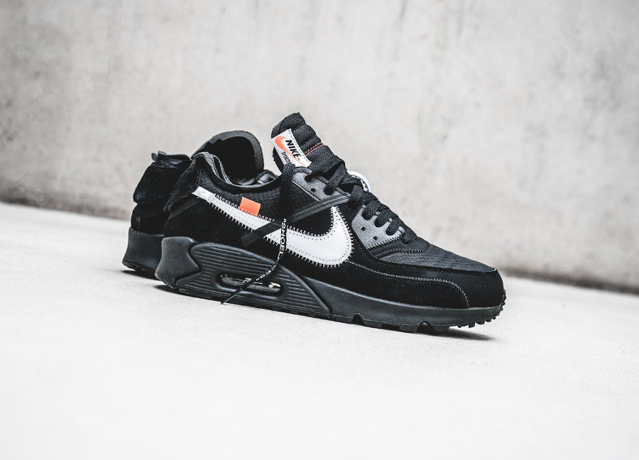 Off White x Air Max 90 noire Black Cone (2)