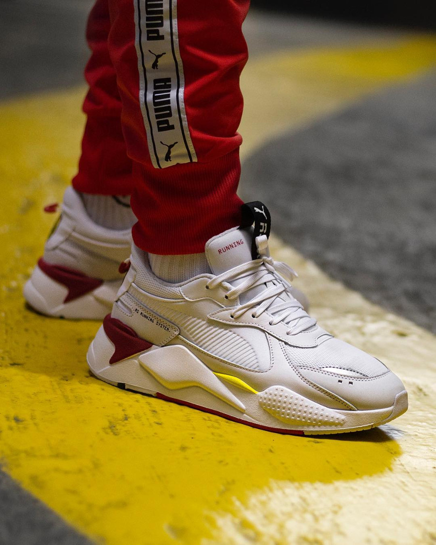 Puma SF RS X blanche Trophy Ferrari White Rosso Corsa on feet (2)