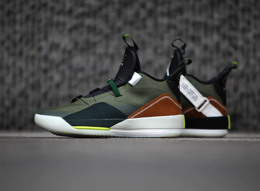 Travis Scott x Air Jordan XXXIII Olive Black Ale Brown (4)