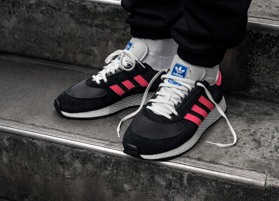 Adidas Marathon Tech Carbon Black Shock Red