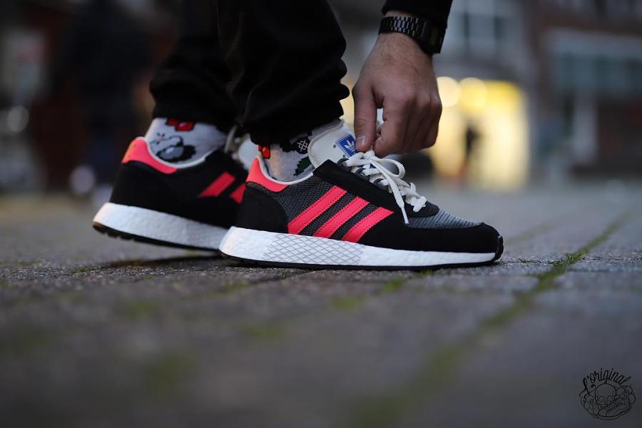 Adidas Marathon Tech Carbon Black Shock Red (2)