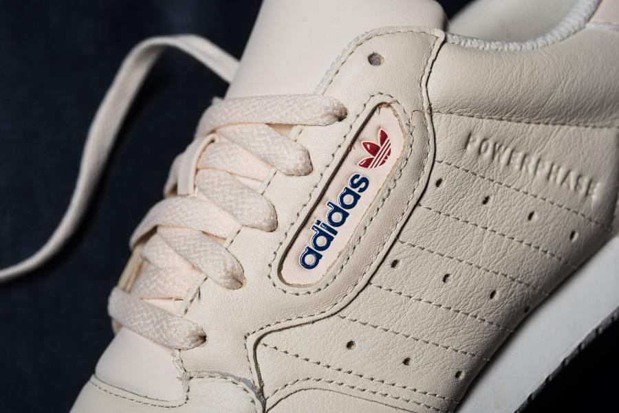 Adidas Powerphase en cuir beige (1)