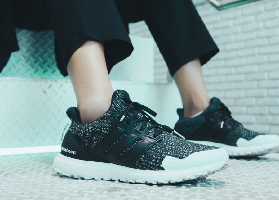 Adidas Ultra Boost GOT Night's Watch (Garde de Nuit) EE3707 (1)